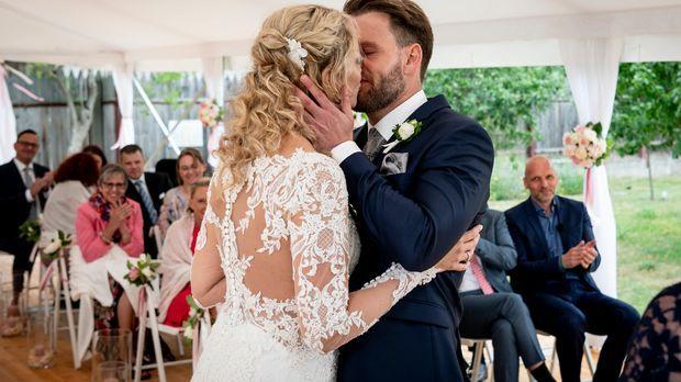 Hochzeit Auf Den Ersten Blick Alle Clips Mit Cindy Und Alexander Sat 1