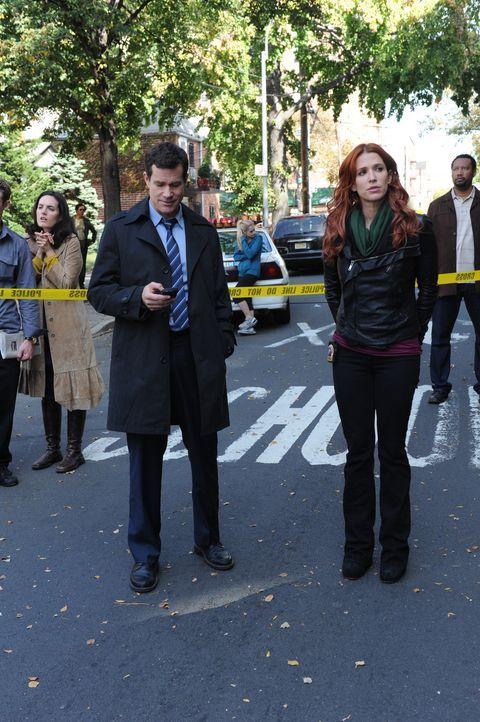 Gemeinsam machen sie sich auf die Suche nach dem Mörder, der jungen Pflichtverteidigerin Mary Hanson: Carrie (Poppy Montgomery, r.) und Al (Dylan W... - Bildquelle: 2011 CBS Broadcasting Inc. All Rights Reserved.