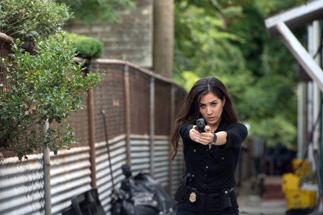 Im Kampf gegen das Böse: Tasha Zapata (Audrey Esparza) ... - Bildquelle: Warner Brothers