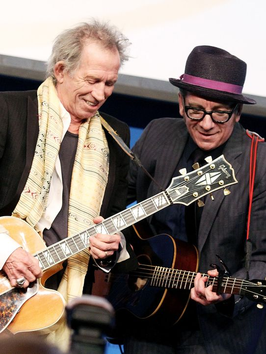 Keith-Richards-Elvis-Costello-12-02-26-getty-AFP - Bildquelle: getty-AFP