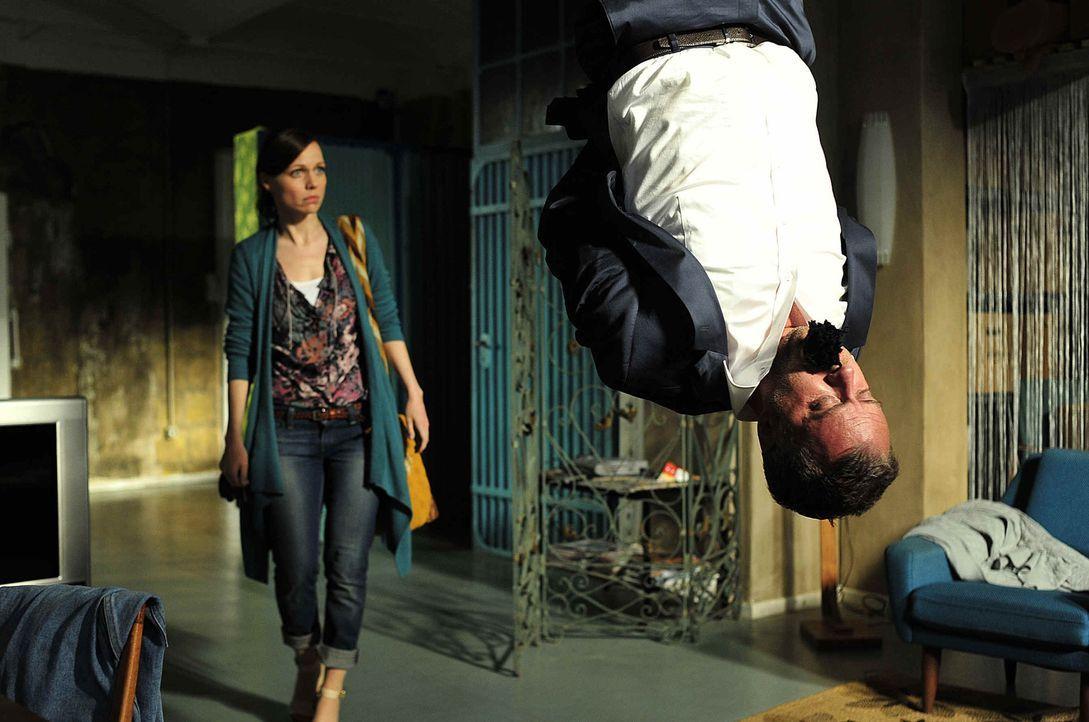 In der letzten Zeit wird Marion (Nadja Becker) nicht gerade vom Glück verfolgt. Ihr Ex-Mann Felix (André Röhner ) will ihr die Kinder wegnehmen,... - Bildquelle: Oliver Feist SAt.1