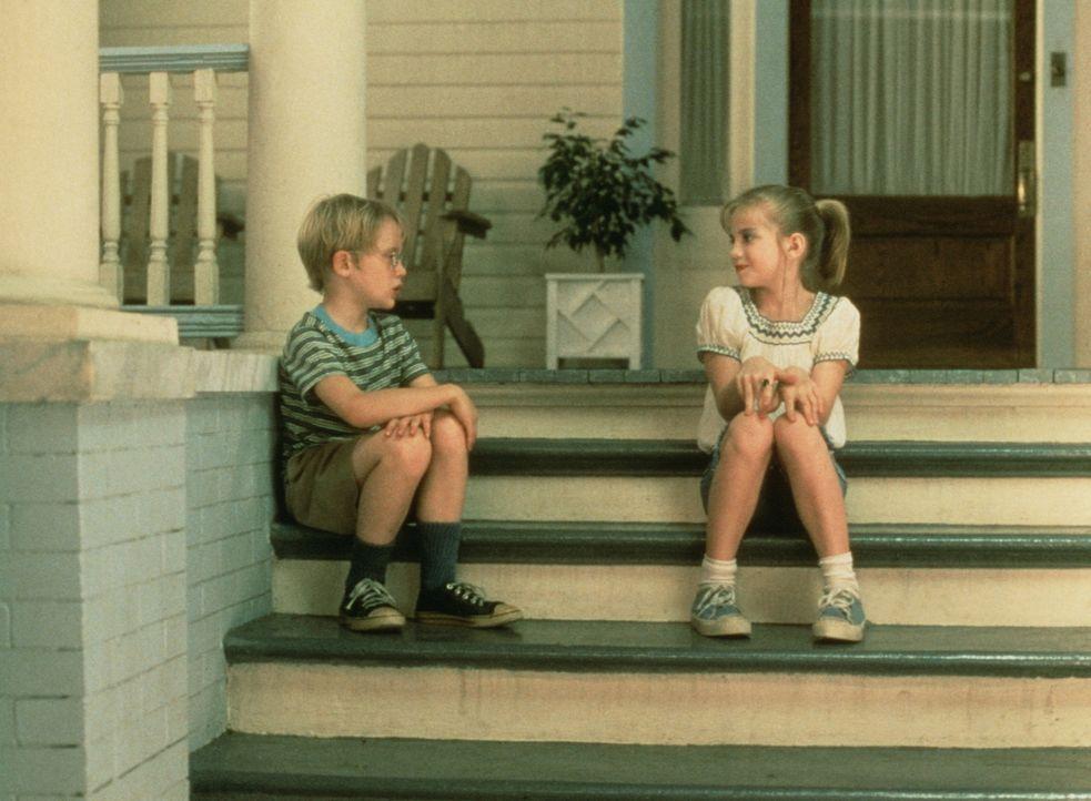 Thomas J. (Macaulay Culkin, l.) und Vada (Anna Chlumsky, r.) besprechen alle Probleme miteinander ... - Bildquelle: Columbia Pictures