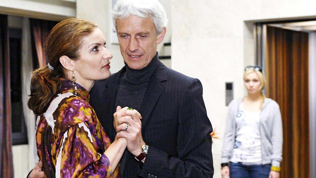 Anna-und-die-Liebe-Folge-18-Oliver-Ziebe-Sat.1-02 - Bildquelle: Sat.1/Oliver Ziebe