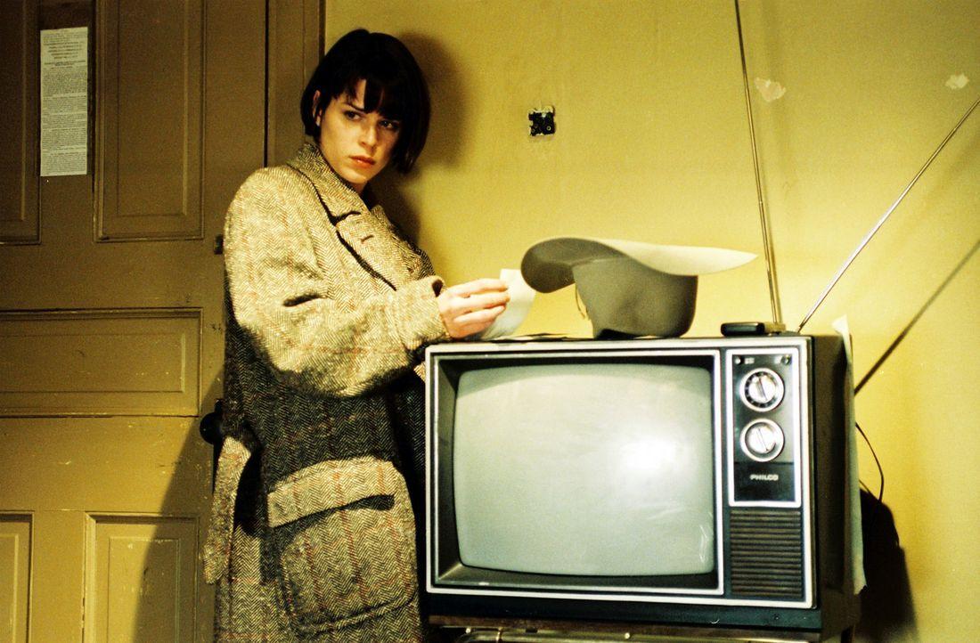 Nach und nach erkennt Frank, dass Chloe (Neve Campbell) viel tiefer in den Fall verwickelt ist, als es zunächst den Anschein hat ? - Bildquelle: Nu Image
