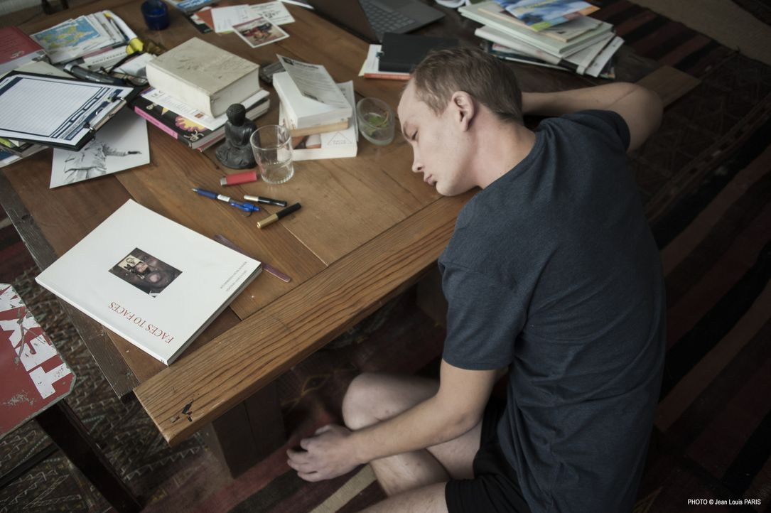 Hat der junge Freddy Tardieux (Anthony Decadi) etwas mit dem Tod eines jungen Mannes und der Ermordung eines Mädchens aus gutem Hause zu tun? - Bildquelle: Jean Louis PARIS