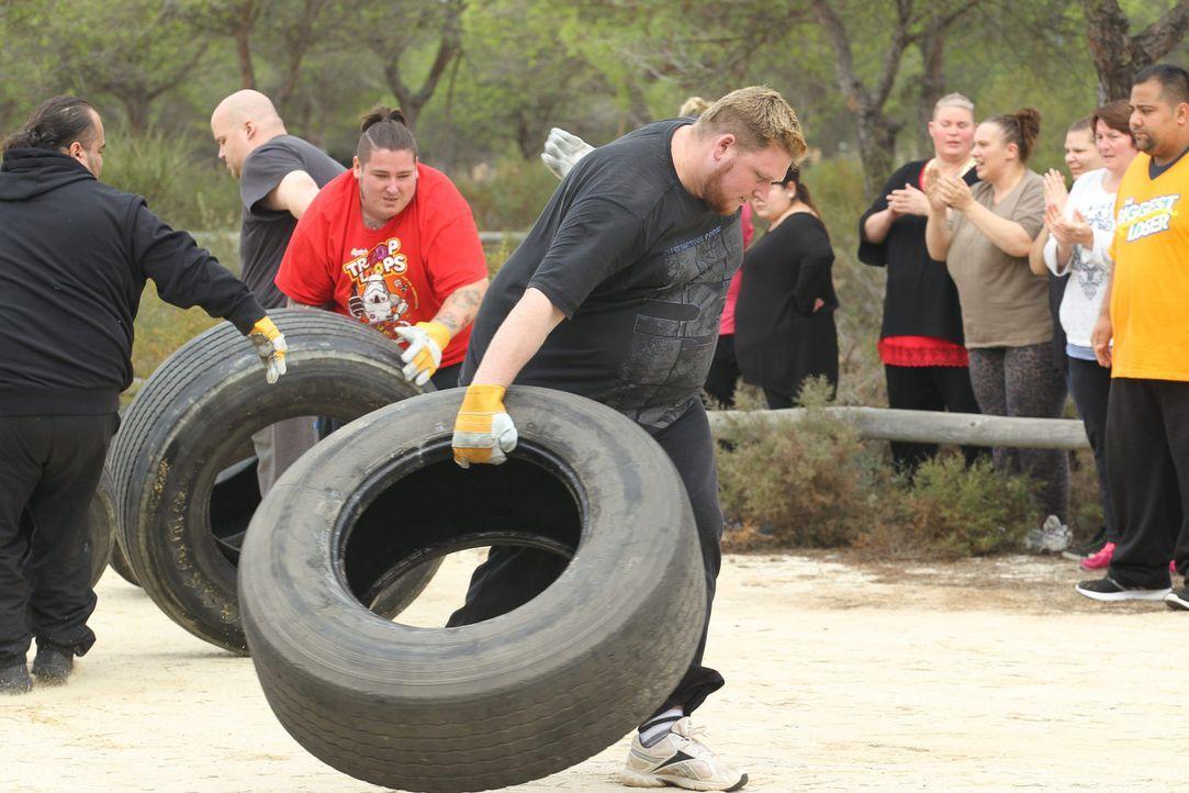 Auch Daniel (4.v.r.) gibt alles, um es ins Camp zu schaffen ... - Bildquelle: Enrique Cano SAT.1