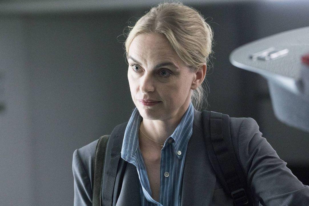 Carrie sucht Astrid (Nina Hoss) auf, da sie auf ihre Hilfe hofft - doch wird sie wirklich auf die Unterstützung von Astrid zählen können? - Bildquelle: Stephan Rabold 2015 Showtime Networks, Inc., a CBS Company. All rights reserved.