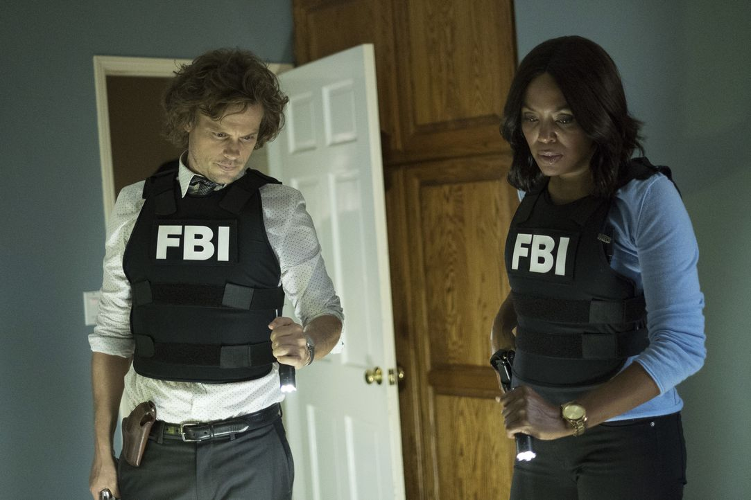 (v.l.n.r.) Spencer Reid (Matthew Gray Gubler); Dr. Tara Lewis (Aisha Tyler) - Bildquelle: Eddy Chen 2006 Touchstone Television. All rights reserved. NO ARCHIVE. NO RESALE./Eddy Chen