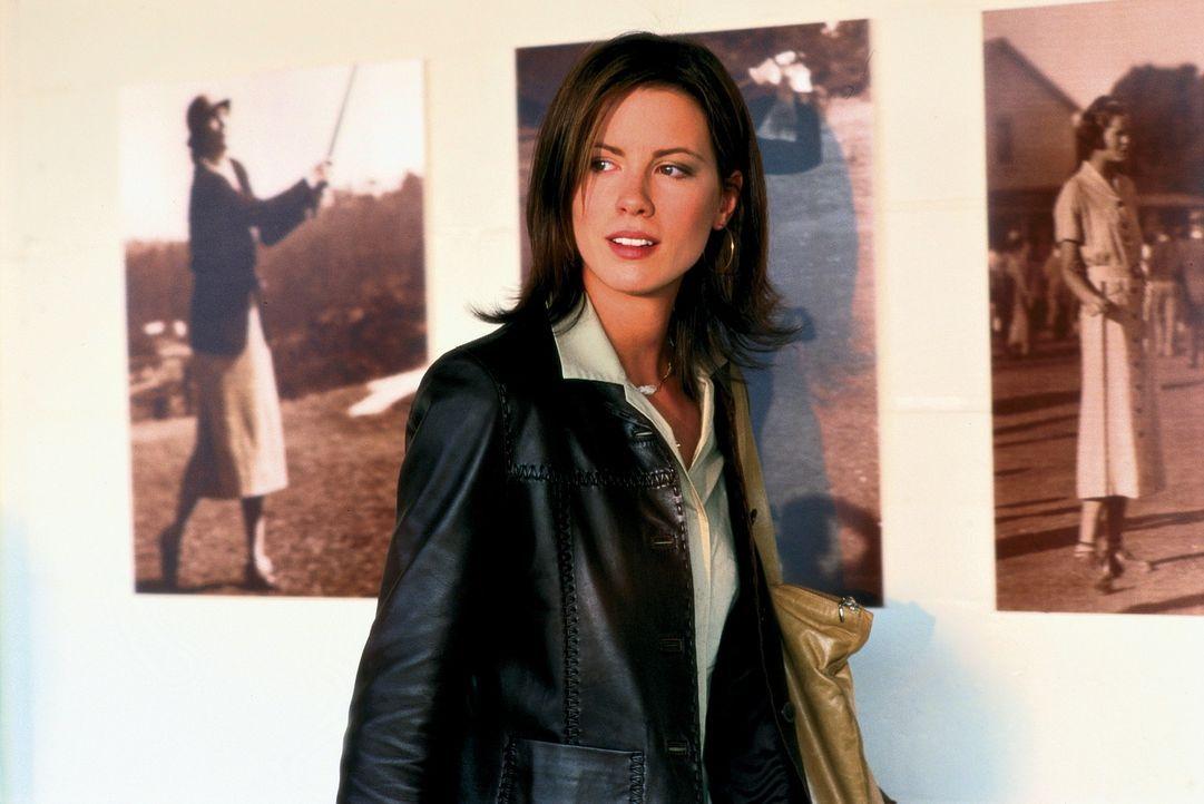 Obwohl sich Sara (Kate Beckinsale) in Jonathan verliebt hat, überlässt sie dem Schicksal ihre Zukunft ... - Bildquelle: Alliance Atlantis Communications
