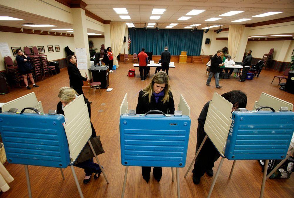 Ein Wahlbüro in Cleveland, Ohio.  - Bildquelle: dpa - Bildfunk +++ Verwendung nur in Deutschland