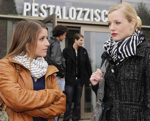 Bea lässt sich nicht länger von Helena provozieren ... - Bildquelle: Christoph Assmann - Sat1