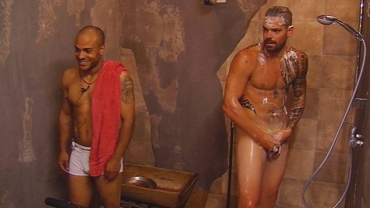 Tag2_Daniel duscht