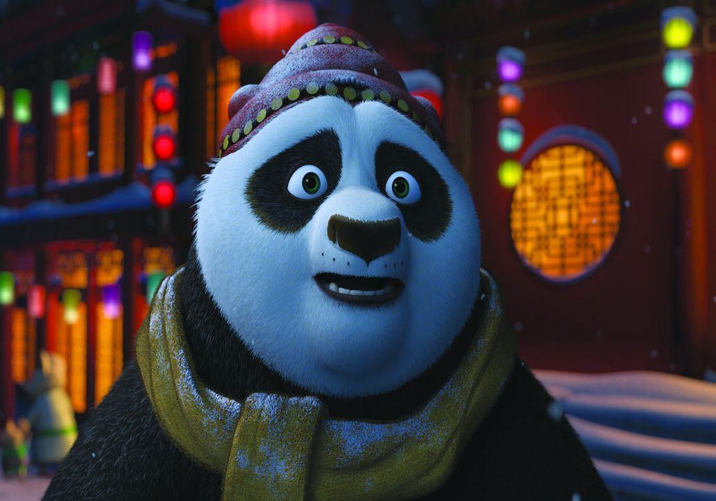 Wer braucht ihn mehr in dieser Nacht? Sein Vater oder die berühmten Kung Fu-Meister? Da trifft Po eine wunderbare Entscheidung ... - Bildquelle: 2008 DREAMWORKS ANIMATION LLC. ALL RIGHTS RESERVED.
