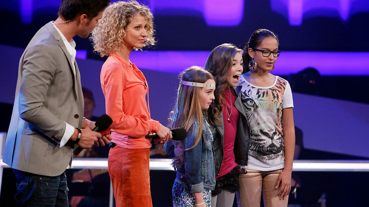The-Voice-Kids-epi05-StephanieFabienneMaira-SAT1-Richard-Huebner - Bildquelle: SAT.1/Richard Hübner