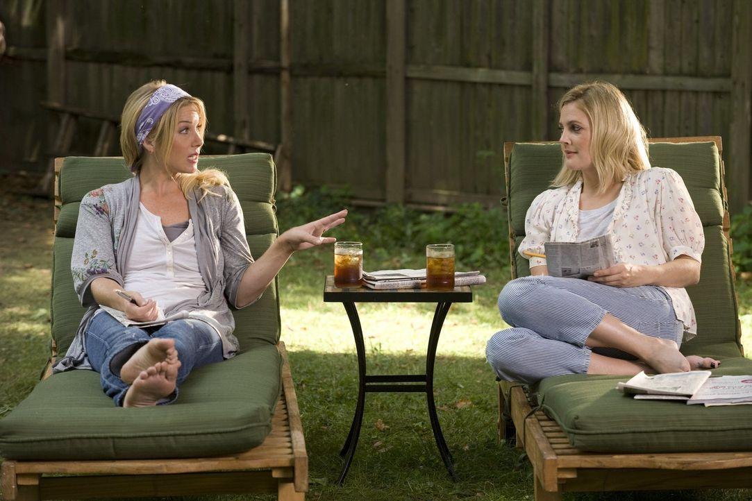 Bei ihrem sechswöchigen Praktikum in New York verliebt sich die in San Francisco lebende Erin (Drew Barrymore, r.) in Garrett. Doch während sie glau... - Bildquelle: 2010 Warner Bros.