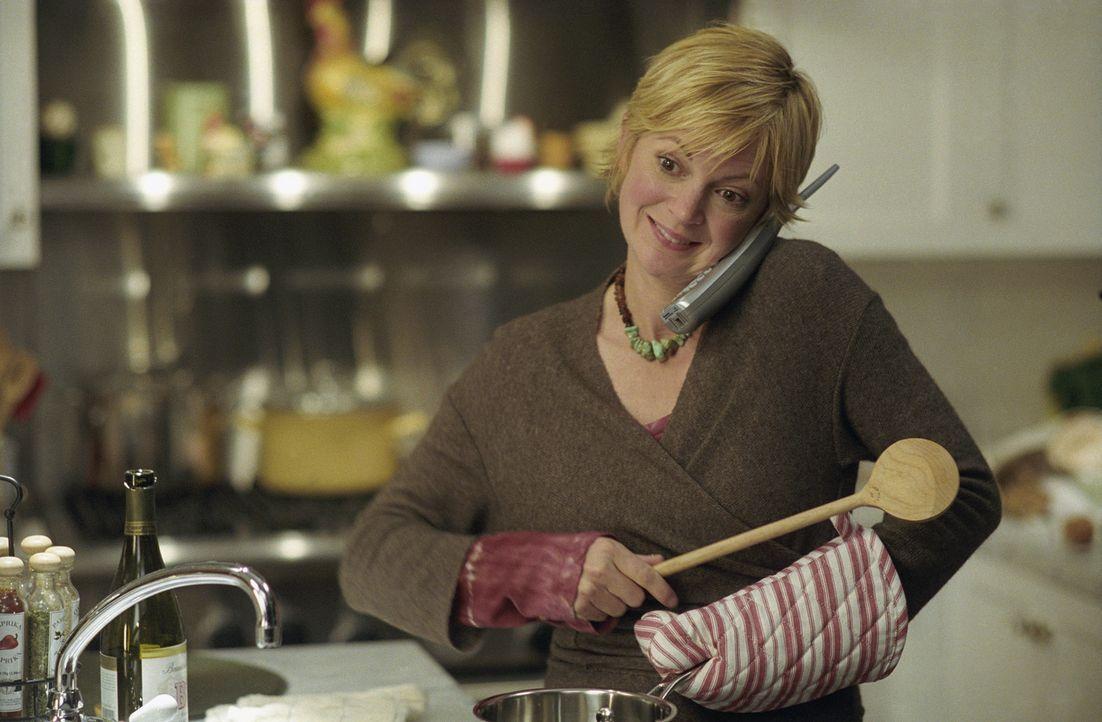 Um ihre Schwester, die nur für ihre Arbeit lebt, mal wieder zu Gesicht zu bekommen, plant Abby (Dina Spybey) ein Abendessen mit ihr. Doch dazu wird... - Bildquelle: Telepool GmbH