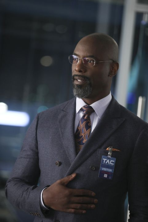 Hat er oder hat er nicht? Star-Anwalt Jules Caffrey (Isaiah Washington) wird beschuldigt, seine Verlobte Lauren ermordet zu haben. - Bildquelle: 2016 CBS Broadcasting, Inc. All Rights Reserved