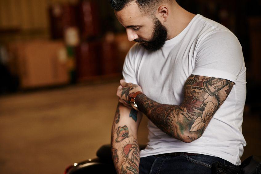 11_TattooTypArmeweiß - Bildquelle: jeffbergen