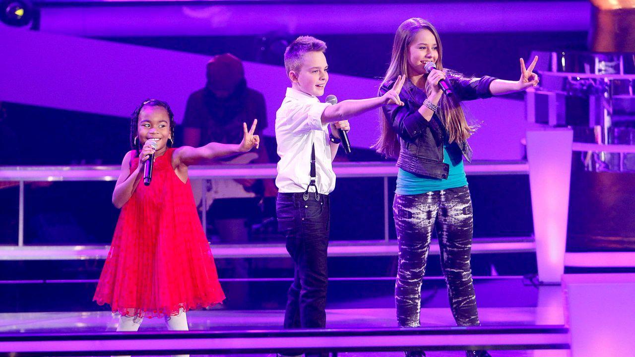 The-Voice-Kids-epi05-Mike-Olivia-Chelsea-2-SAT1-Richard-Huebner - Bildquelle: SAT.1/Richard Hübner