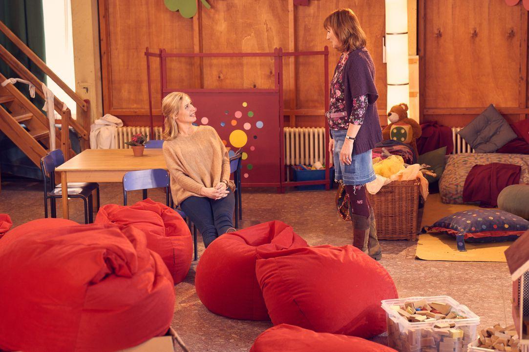 Hannah (Pina Kühr, l.); Doris (Petra Nadolny, r.) - Bildquelle: Frank Dicks SAT.1 / Frank Dicks
