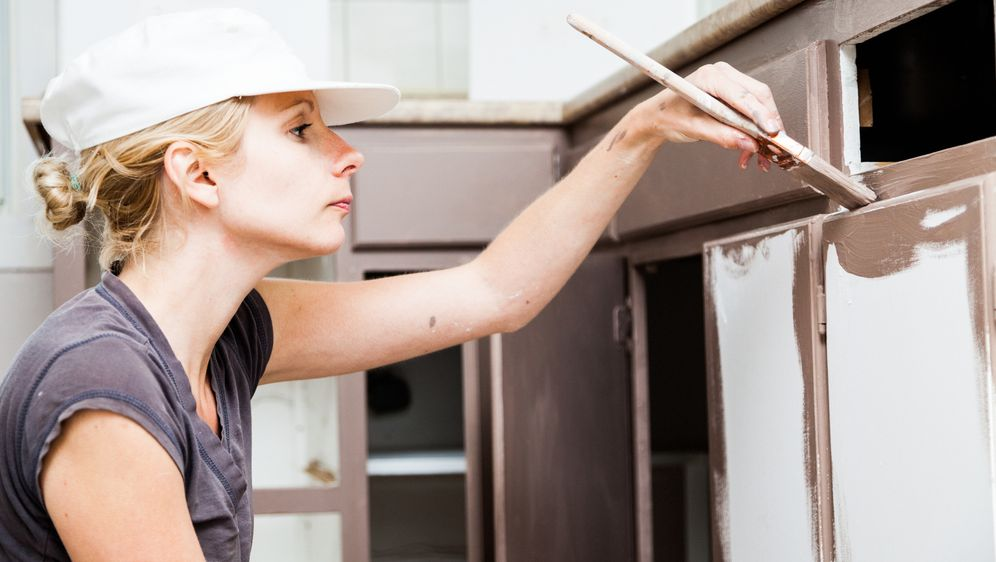 Küche renovieren mit wenig Kosten | SAT.1 Ratgeber