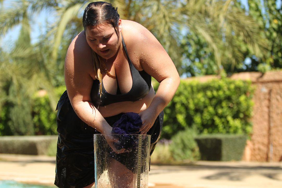 Auch Alexandra gibt in der neuen Challenge alles für ein Bonus-Kilo ... - Bildquelle: Enrique Cano SAT.1