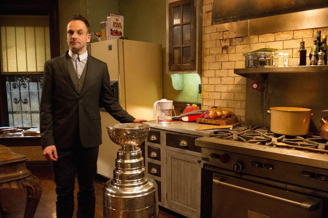Jagt den Killer eines Richters: Holmes (Jonny Lee Miller) ... - Bildquelle: CBS Television