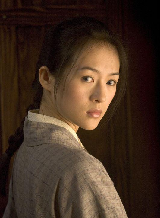 Als achtjähriges Mädchen wird Sayuri Nitta (Ziyi Zhang) von ihrem Vater an ein Geisha-Haus verkauft. Die Schönheit des Kindes schürt den Neid der im... - Bildquelle: 2005 Sony Pictures Television International.