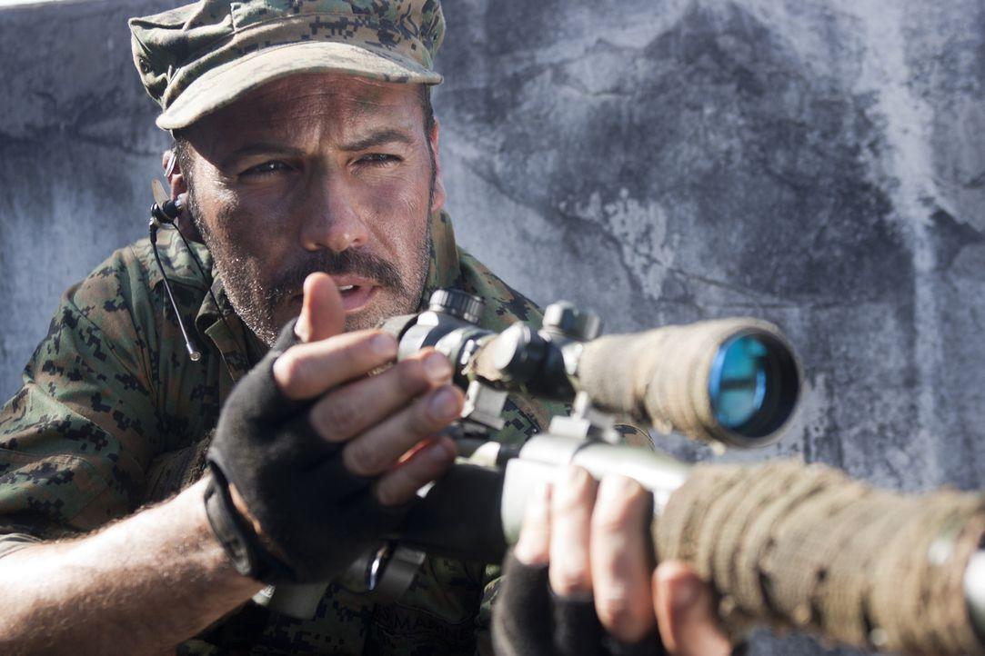Um einen hemmungslosen Mörder ausfindig zu machen und auszuschalten, muss der erfahrene Scharfschützenausbilder Richard Miller (Billy Zane) in den... - Bildquelle: 2011 Sony Pictures Television Inc. All Rights Reserved.