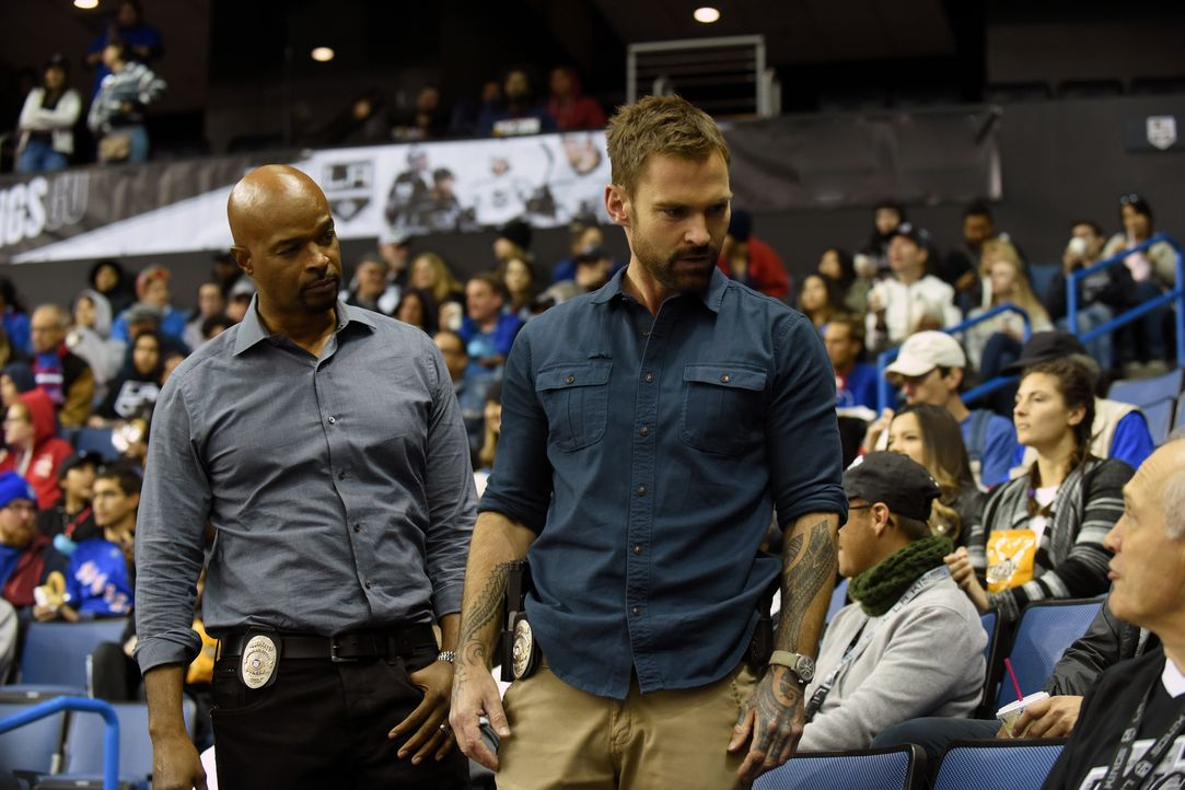 Roger Murtaugh (Damon Wayans, l.); Wesley Cole (Seann William Scott, r.) - Bildquelle: Ray Mickshaw 2018 Warner Bros. Entertainment Inc. All Rights Reserved.