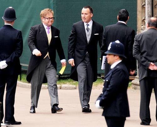 William-Kate-Westminster-Abbey-Elton-John-David-Furnish-11-04-29-500_404_AFP - Bildquelle: AFP