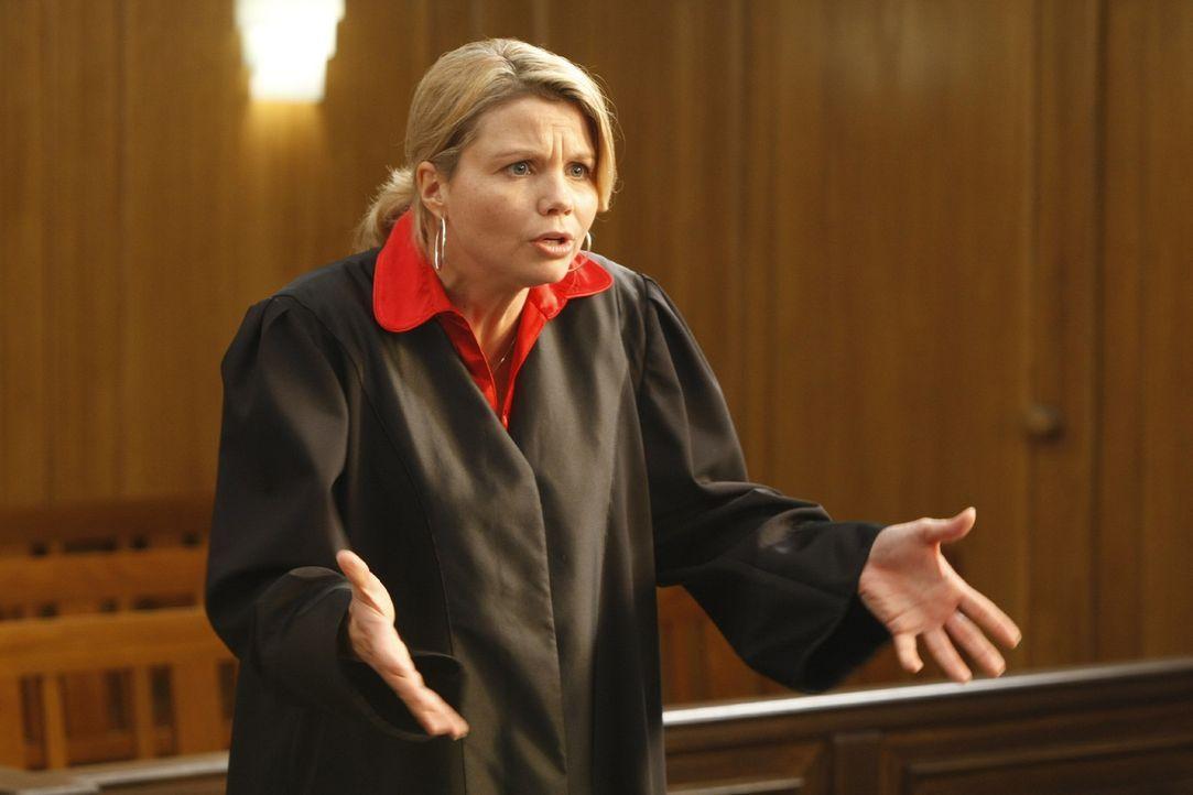 So ein Anwaltsalltag ist nicht immer leicht: Danni (Annette Frier) erlebt das in ihrem neuen Fall ... - Bildquelle: SAT.1
