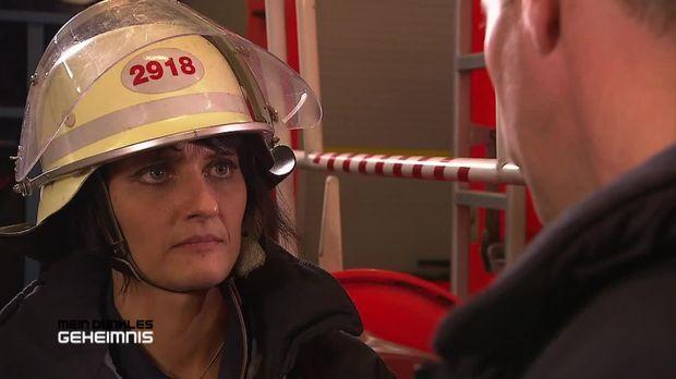 Mein Dunkles Geheimnis - Mein Dunkles Geheimnis - Feuerwehralarm