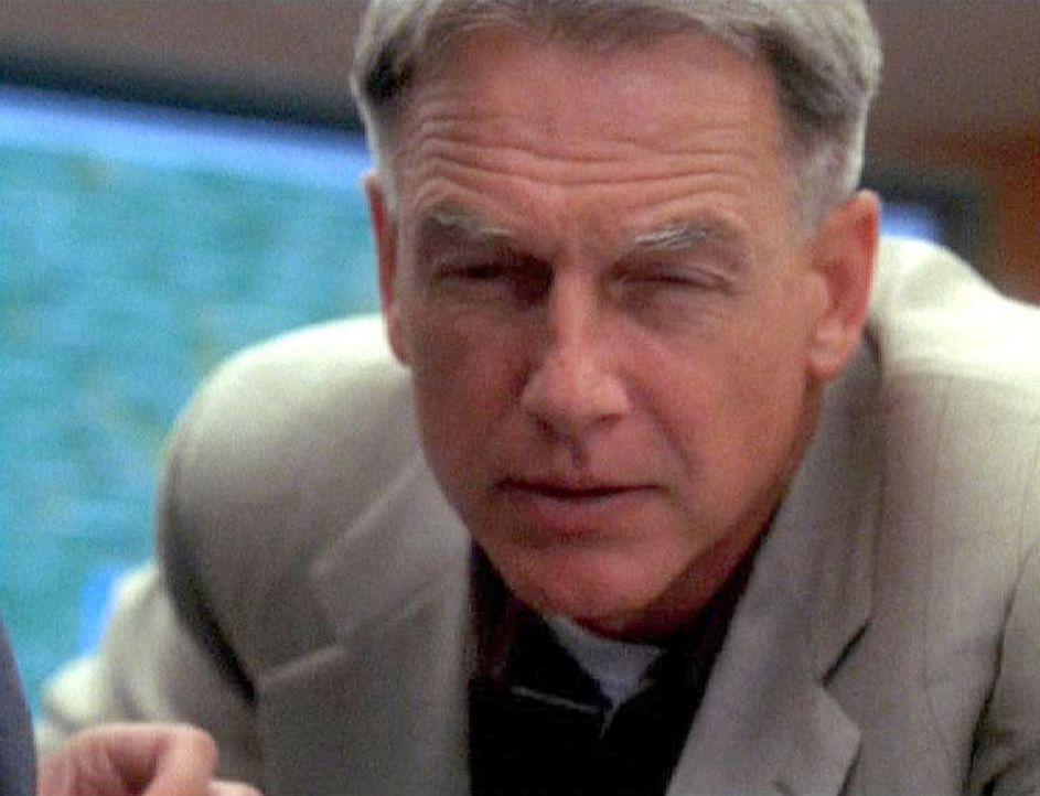 Gibbs (Mark Harmon) ist dem Entführer bereits auf den Fersen, denn es steht nicht nur Kates Leben auf dem Spiel... - Bildquelle: CBS Television