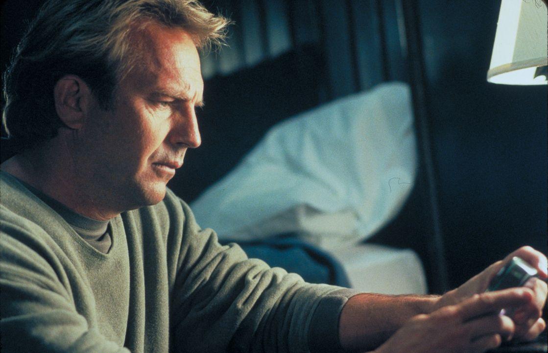 Hat nach dem Tod seiner Frau Schwierigkeiten, wieder in sein gewohntes Leben zurückzufinden: Dr. Joe Darrow (Kevin Costner) ... - Bildquelle: Spyglass Entertainment