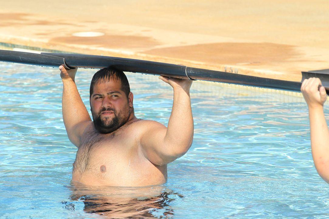 Wann hat das endlich ein Ende? Unmut will unbedingt die Challenge gewinnen, doch das bedeutet, dass er seine Arme oben halten muss - auch wenn diese... - Bildquelle: SAT.1/Enrique Cano