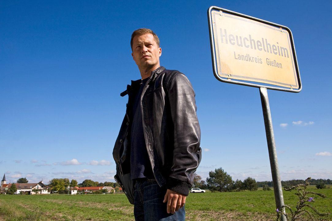 Bye, Bye Berlin! Jerome (Til Schweiger) braucht eine Auszeit von der Musikbranche und kehrt in sein Heimatdorf zu seinen Eltern zurück. War das ein... - Bildquelle: Conny Klein Warner Bros.