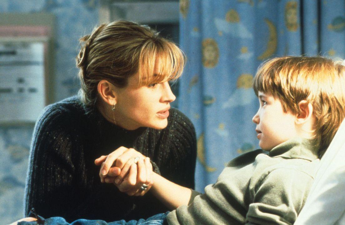 Trotz der vielen Schwierigkeiten ist Isabel (Julia Roberts, l.) stets bemüht, den Kindern eine gute Stiefmutter zu sein ... - Bildquelle: Columbia Pictures