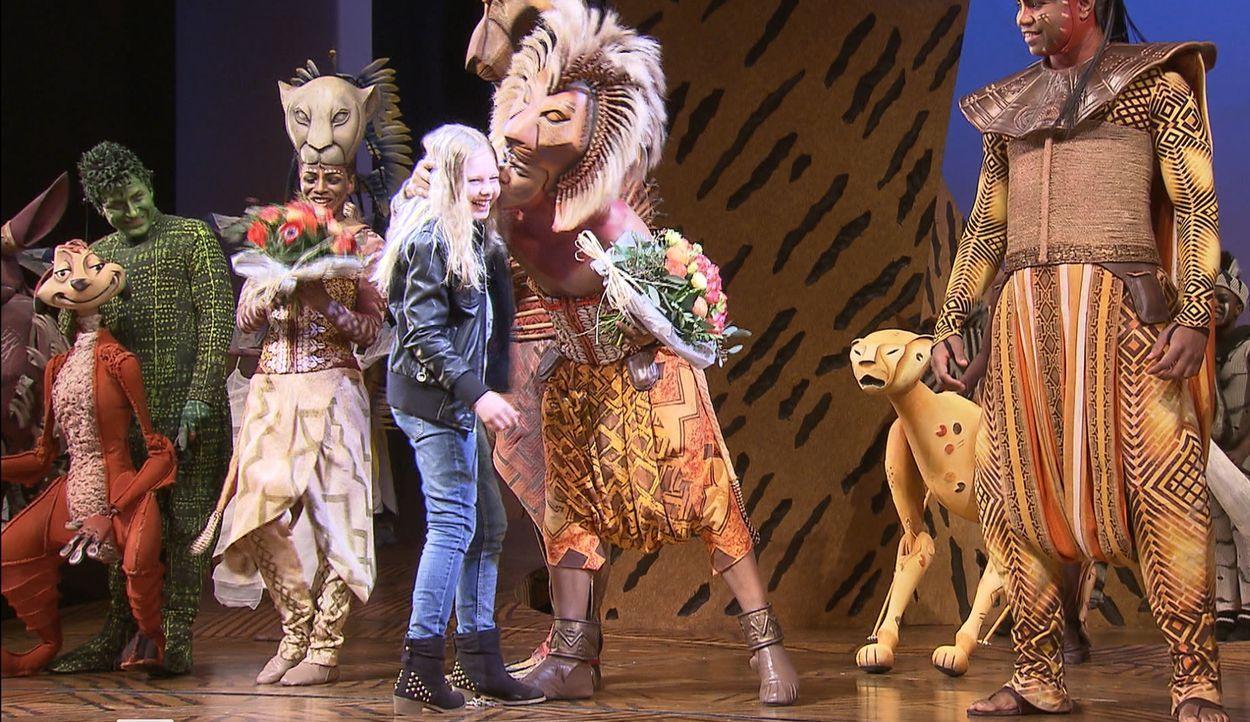 """Für Julia (M.) geht ein großer Wunsch in Erfüllung: Sie darf bei """"Der König der Löwen"""" mitmachen ... - Bildquelle: SAT.1"""