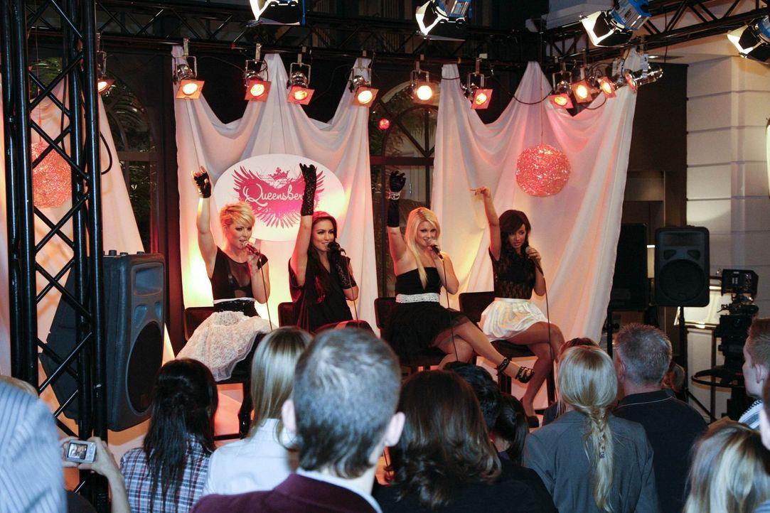 """Treten live im """"Aden"""" auf: Die Girlgruop """"Queensberry"""" ... - Bildquelle: SAT.1"""