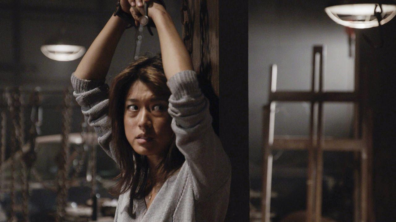 Halloween entwickelt sich für Kono (Grace Park) zum absolutem Horrortrip, als sie plötzlich um ihr Leben bangen muss ... - Bildquelle: Norman Shapiro 2016 CBS Broadcasting, Inc. All Rights Reserved