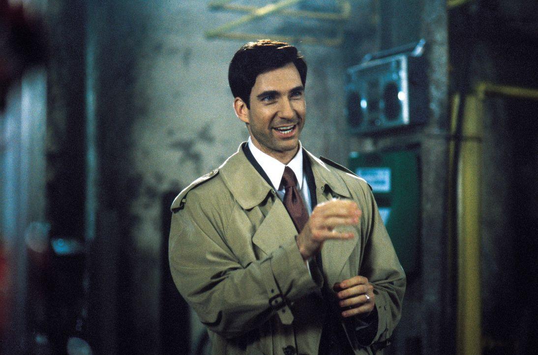 Der wohlhabende Geschäftsmann Charles Newman (Dylan McDermott) glaubt, dass der Nachwuchsarchitekt Oscar Novak, der für ihn ein millionenteures Ku... - Bildquelle: Warner Brothers