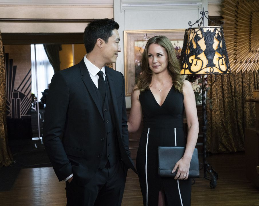 Matt Simmons (Daniel Henney, l.); Kristy Simmons (Kelly Frye, r.) - Bildquelle: Cliff Lipson 2019 CBS Broadcasting, Inc. All Rights Reserved/Cliff Lipson