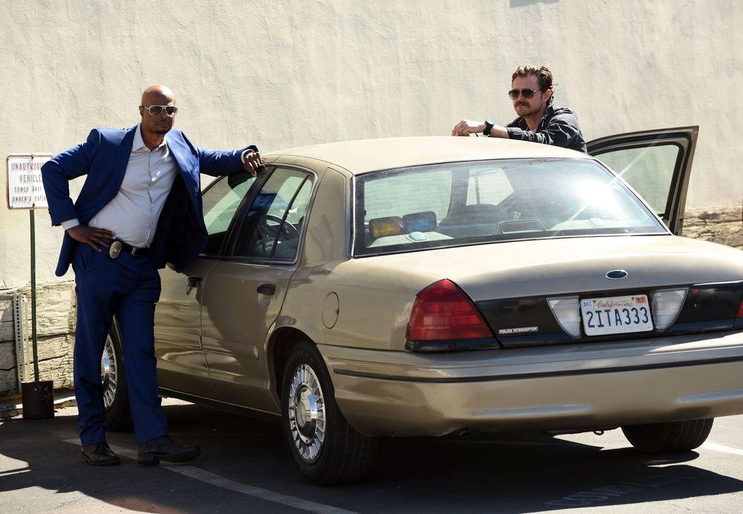 Während bei Leo Getz die Hochzeitsglocken läuten, legt sich Riggs (Clayne Crawford, r.) mit jemandem aus seiner Vergangenheit an und Murtaugh (Damon... - Bildquelle: Warner Brothers