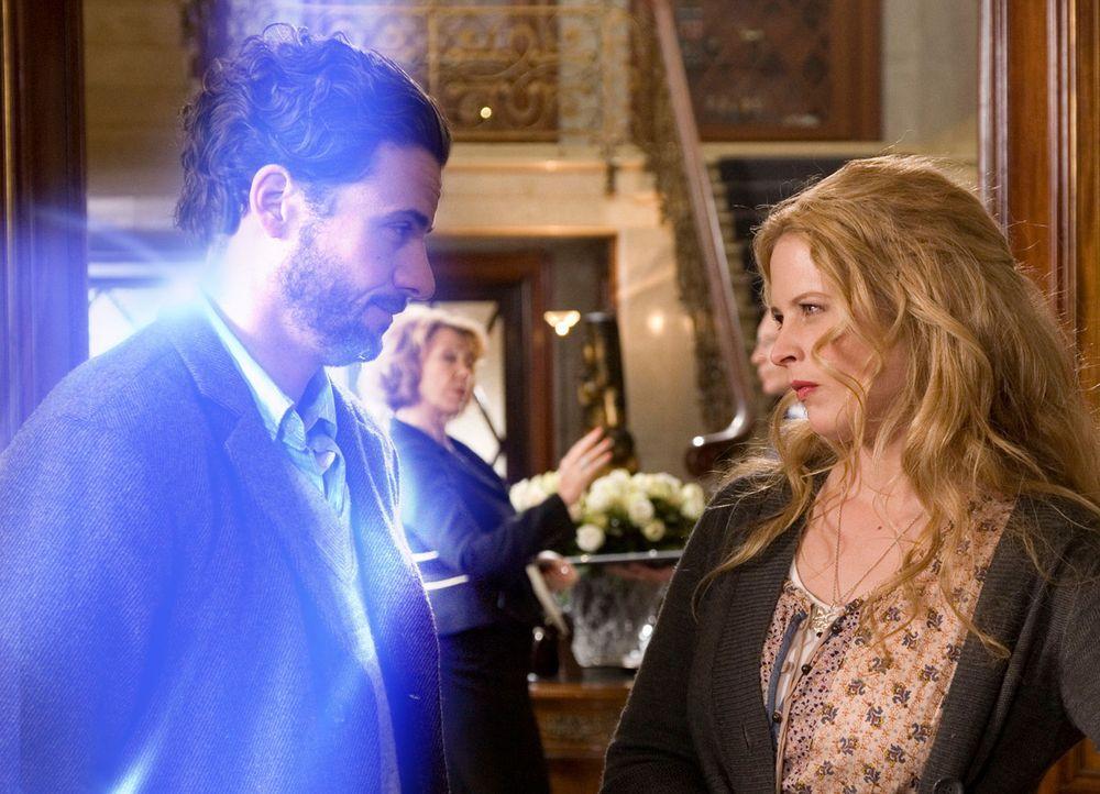 Erst sehr spät erkennt Jana (Diana Amft, r.), dass Toms (Stephan Luca, l.) Überleben nur von ihr allein abhängt ... - Bildquelle: Sat.1