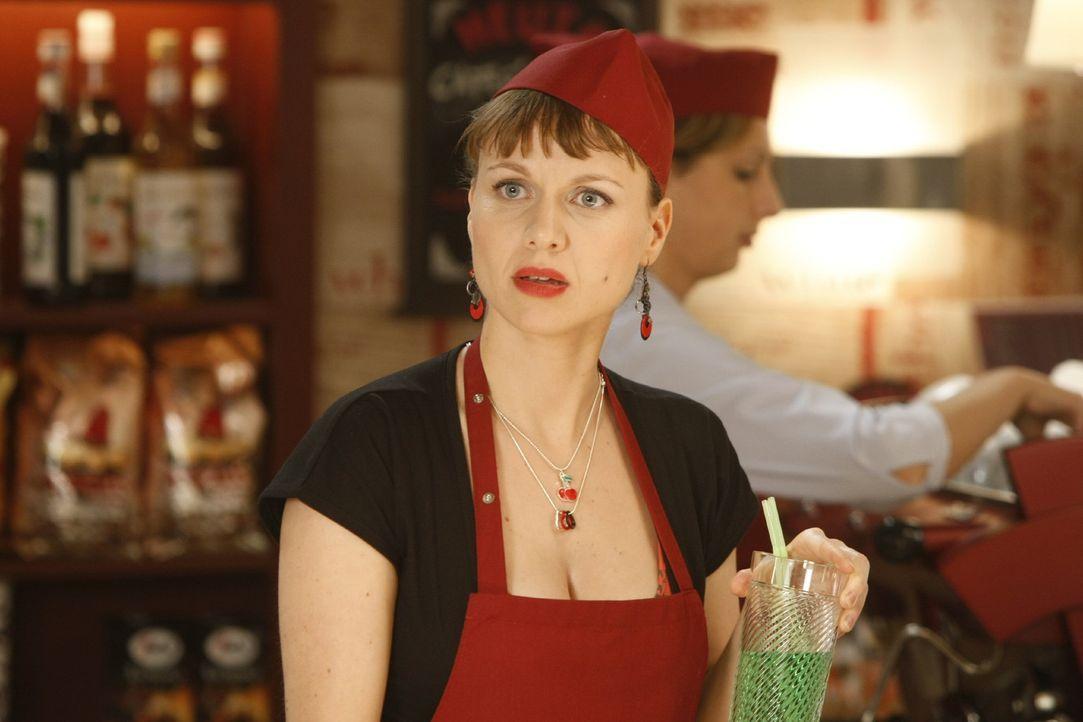 Steht ihrer Freundin Danni so gut sie kann zur Seite: Bea (Nadja Becker) ... - Bildquelle: SAT.1
