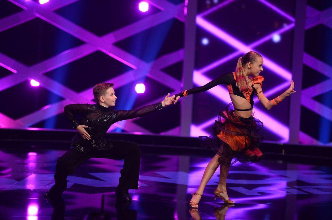 Können Maik (l.) und Adelinedie (r.) die Jury von sich überzeugen? - Bildquelle: Willi Weber SAT.1