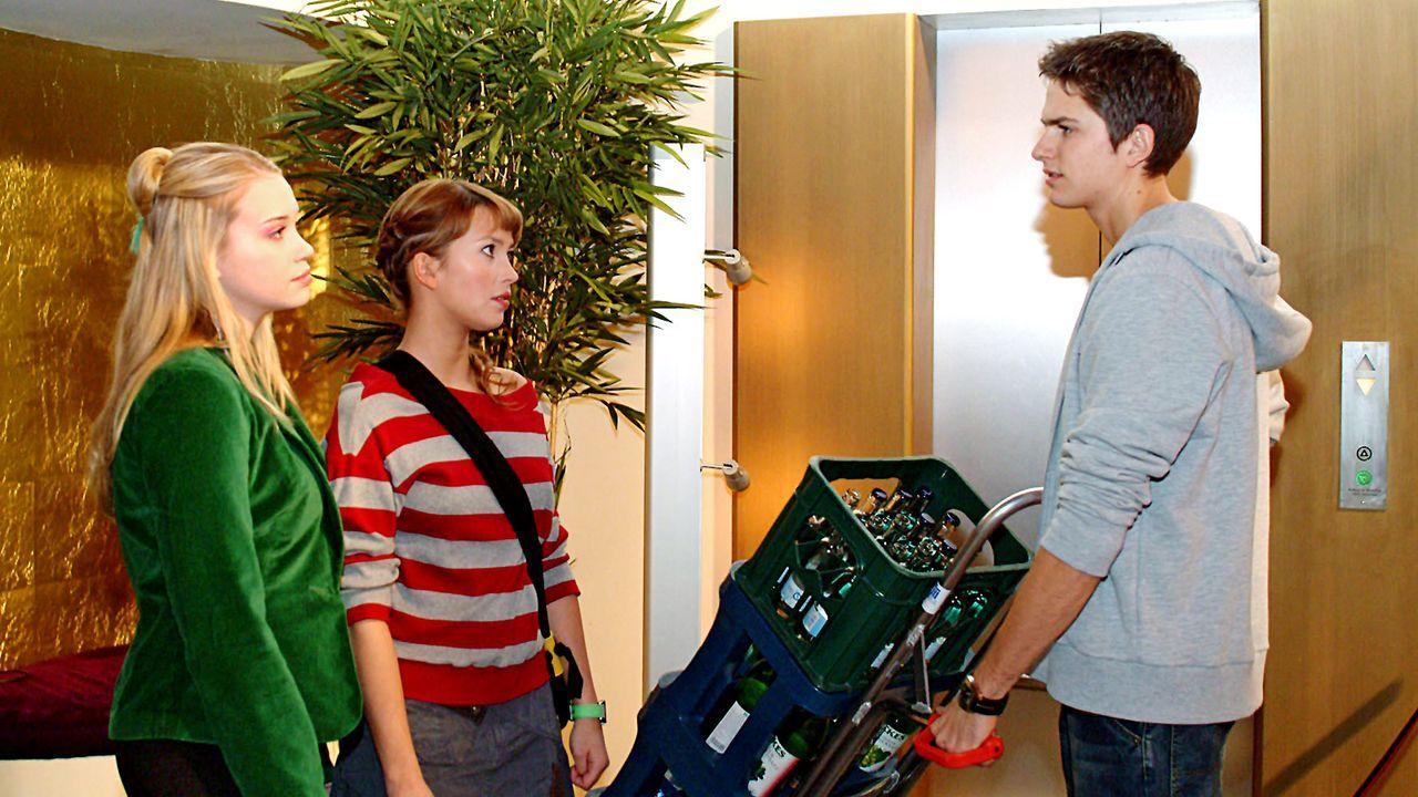 verliebt-in-berlin-folge-19-06-SAT1-Monika-Schuerle - Bildquelle: Sat.1/Monika Schürle