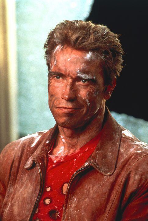 Jack Slater (Arnold Schwarzenegger) ist ein Filmheld, wie er im Buche steht ... - Bildquelle: Columbia Pictures