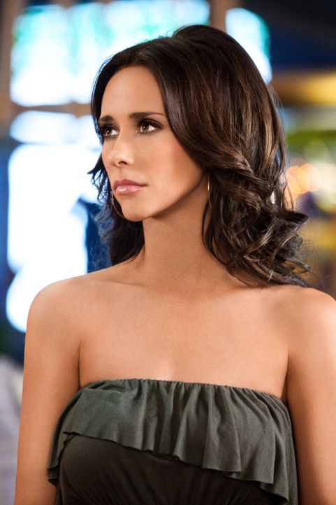 Von einer normalen Hausfrau wird Samantha (Jennifer Love Hewitt) plötzlich zu einem ganz anderen Menschen ... - Bildquelle: Sony Pictures Television, Inc. All Rights Reserved.